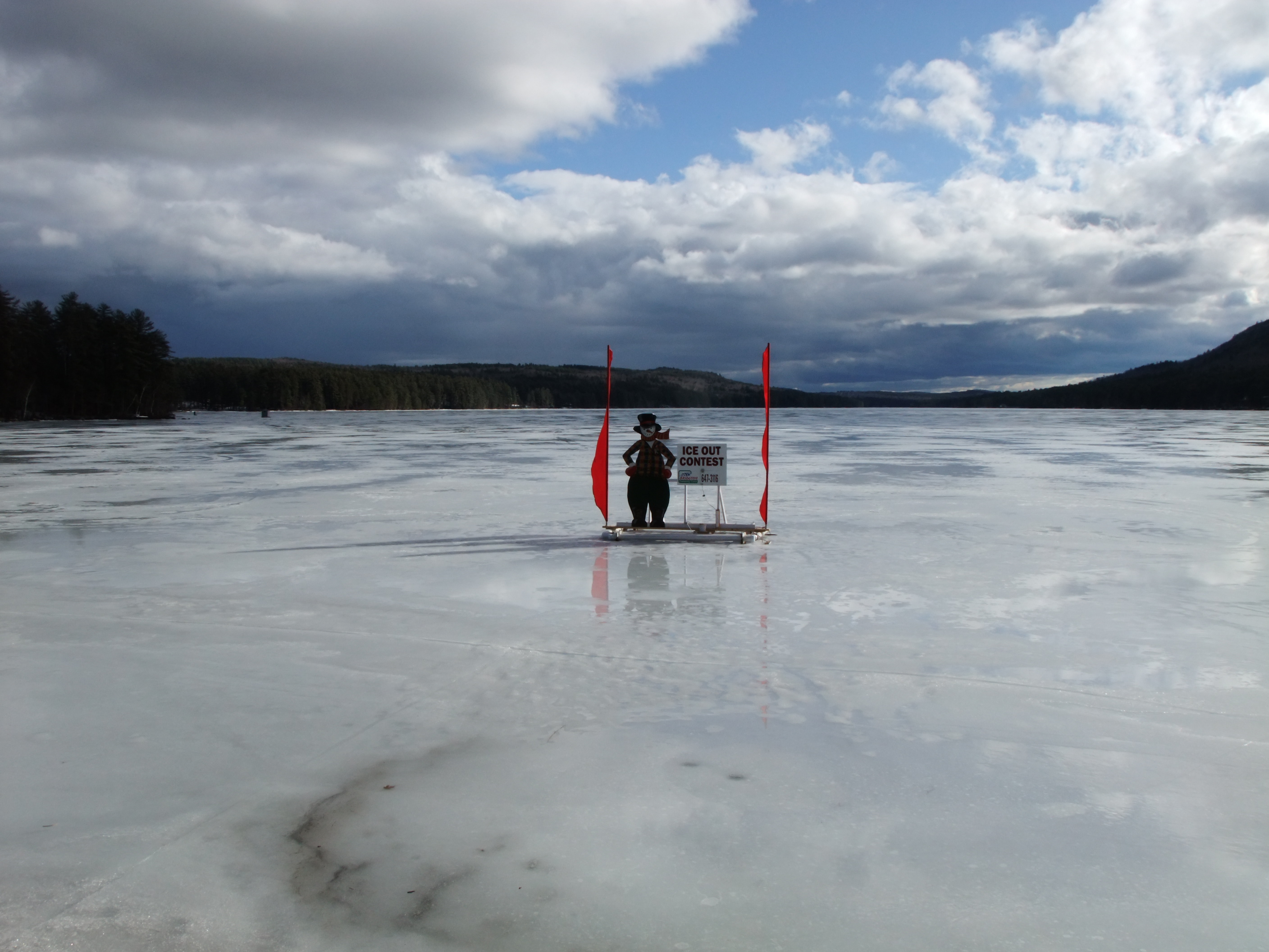 Moose pond ice out kezarlife 39 s blog for Ice fishing maine